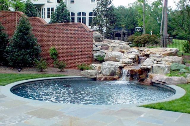 WaterFeatures18 - Backyard Oasis Pools